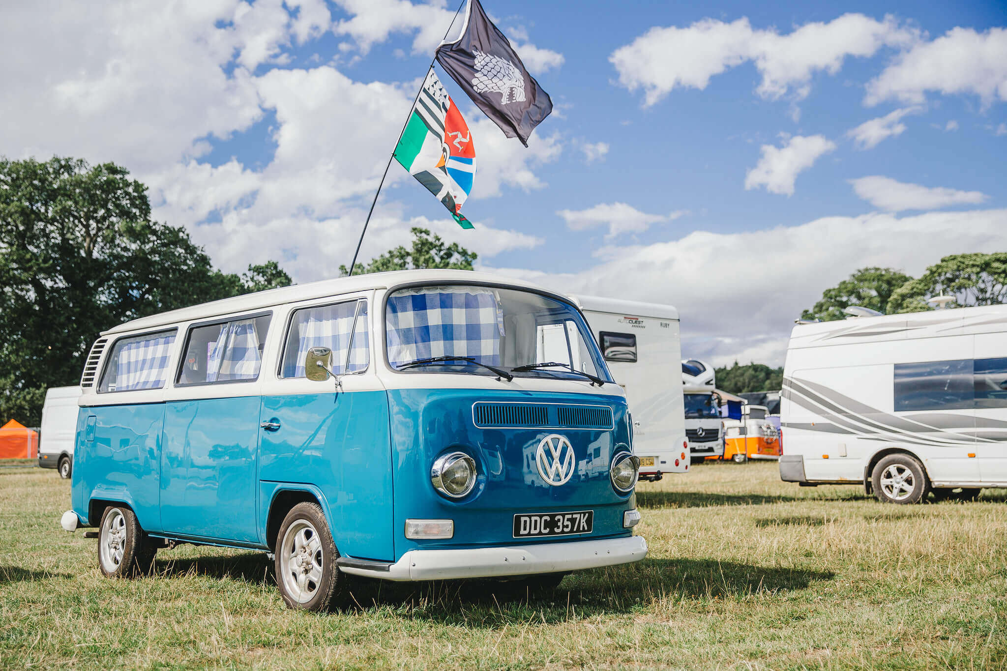 CAMPERVANS & CARAVANS